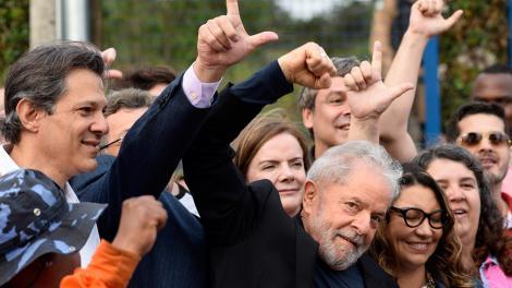 http://www.lacorameco.com.ar/imagenes/Lula_Libre2.jpg