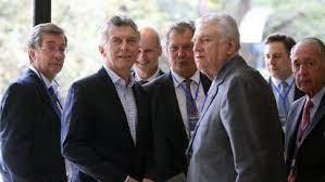 http://www.lacorameco.com.ar/imagenes/Macri_Rural.jpg