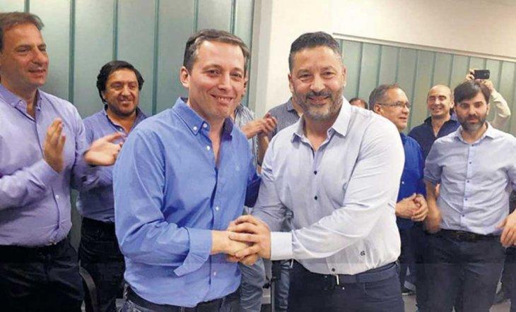 http://www.lacorameco.com.ar/imagenes/Men_Gray.jpg