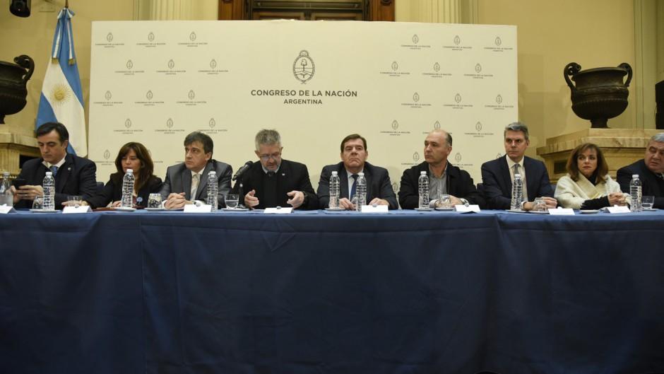 http://www.lacorameco.com.ar/imagenes/ara_congreso.jpg