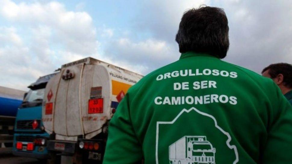 http://www.lacorameco.com.ar/imagenes/camioneros2.jpg