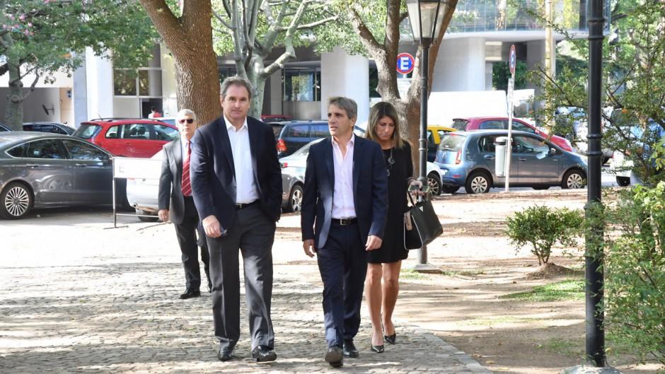 http://www.lacorameco.com.ar/imagenes/caputo2.jpg