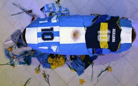 http://www.lacorameco.com.ar/imagenes/diego_funeral.jpg
