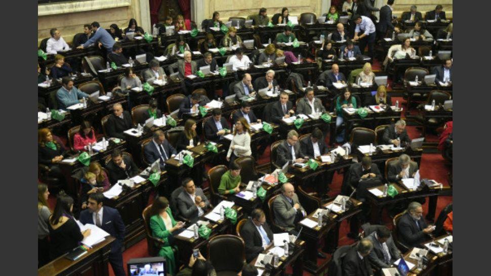 http://www.lacorameco.com.ar/imagenes/dipu_voto.jpg