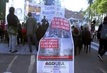 http://www.lacorameco.com.ar/imagenes/docentesplazamayo_11abr.jpg