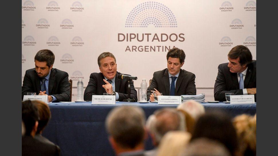 http://www.lacorameco.com.ar/imagenes/dujovne_dipu.jpg