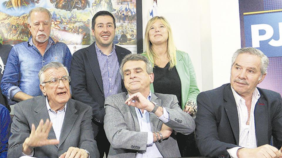 http://www.lacorameco.com.ar/imagenes/gioja3.jpg