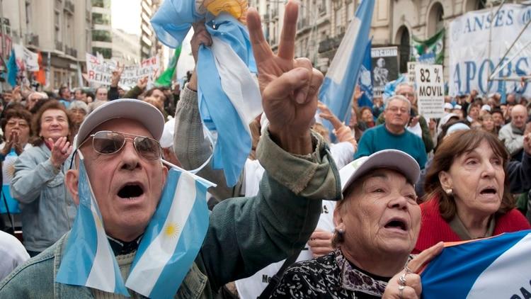 http://www.lacorameco.com.ar/imagenes/jubilados3.jpg