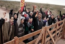 http://www.lacorameco.com.ar/imagenes/mapuches_15dic.jpg