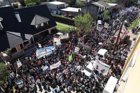 http://www.lacorameco.com.ar/imagenes/marcha_moreno.jpg