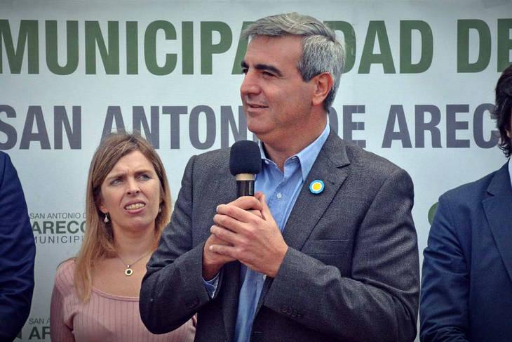 http://www.lacorameco.com.ar/imagenes/paco.jpg