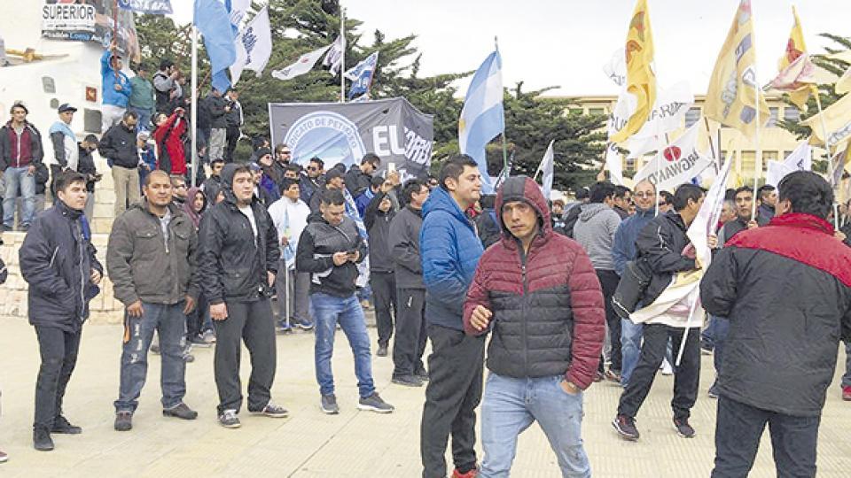 http://www.lacorameco.com.ar/imagenes/patagonia_desempleo.jpg