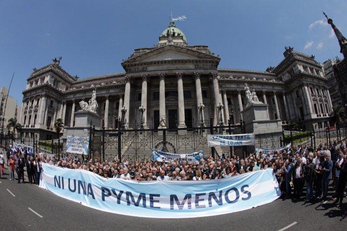http://www.lacorameco.com.ar/imagenes/pymes2.jpeg