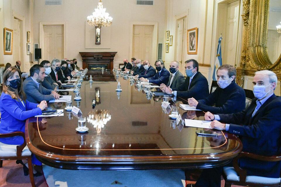 http://www.lacorameco.com.ar/imagenes/reunion-gabinete.jpg