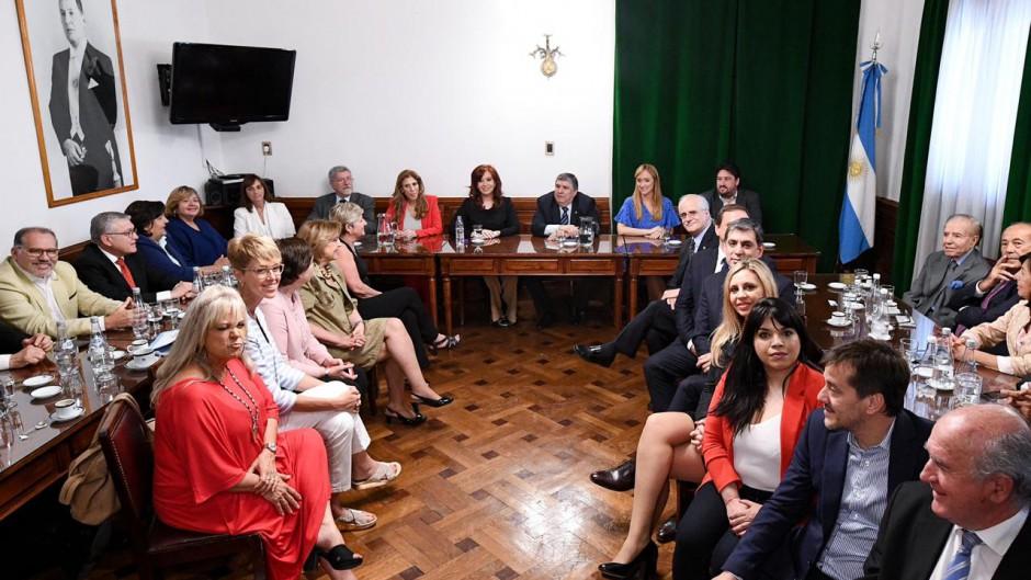 http://www.lacorameco.com.ar/imagenes/senado_2019.jpg