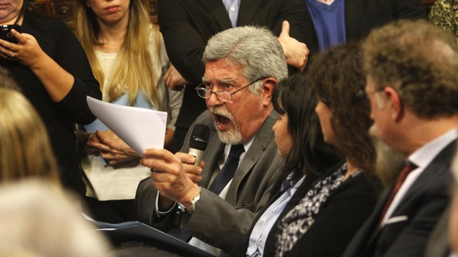http://www.lacorameco.com.ar/imagenes/senadores.jpg